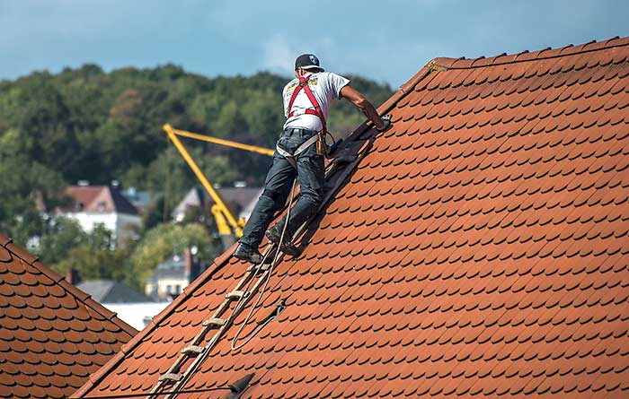 How To Hire A Local Roofing Company