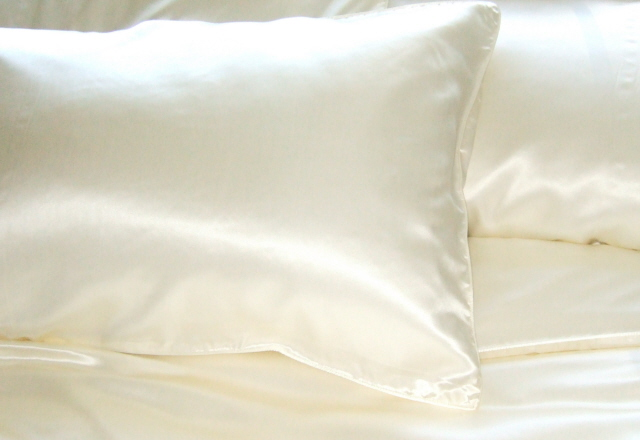 Silk pillow cases- Why it is the safest option for you?