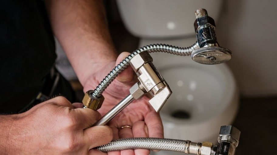 3 Considerations When Hiring a Plumber